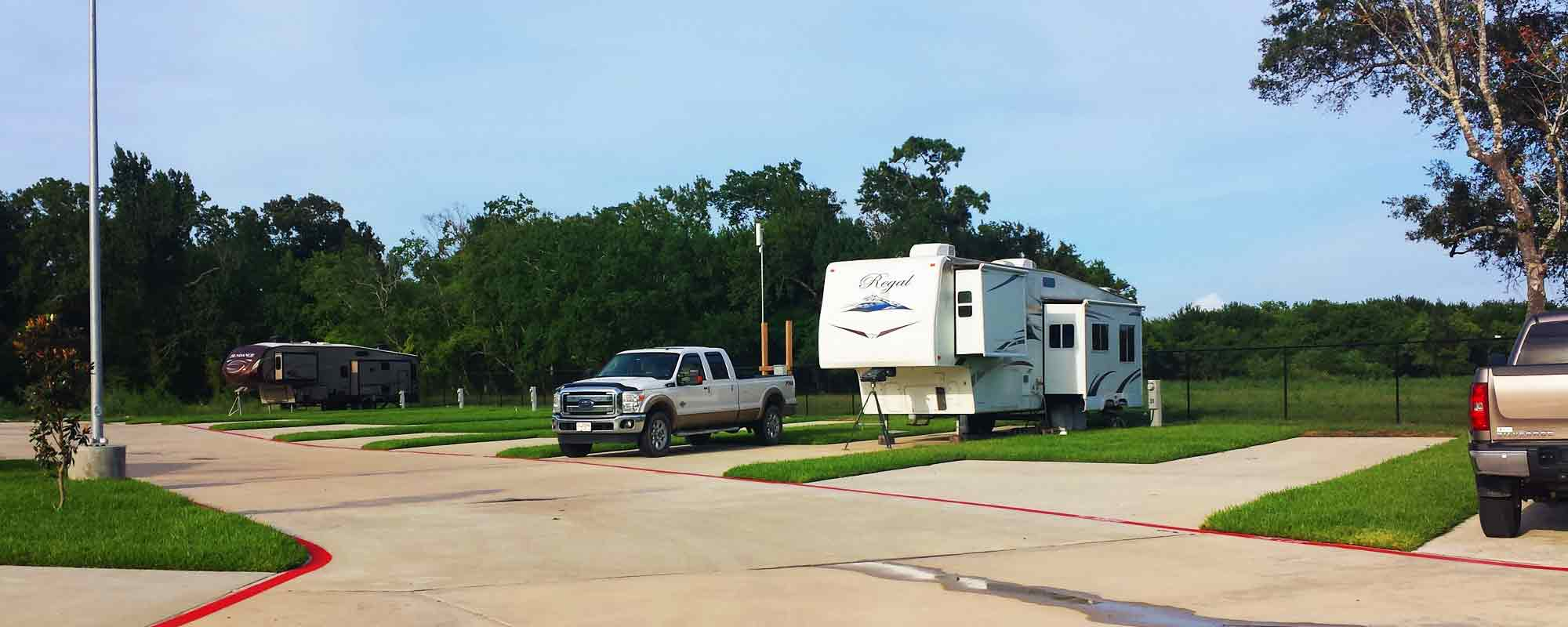 Bayou bend RV Resort in Baytown, TX